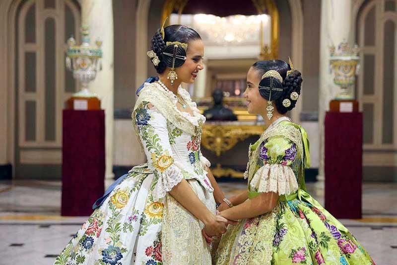 Marina i Sara proclamades Falleres Majors de València 2019 (JCF / Armando Romero)