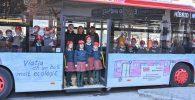 alumna dissenya autobús EMT