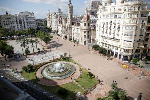 plaça de l'Ajuntament per a vianants / plaza del Ayuntamiento para peatones